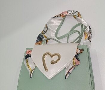 Private: Cinderella magic mini handbag